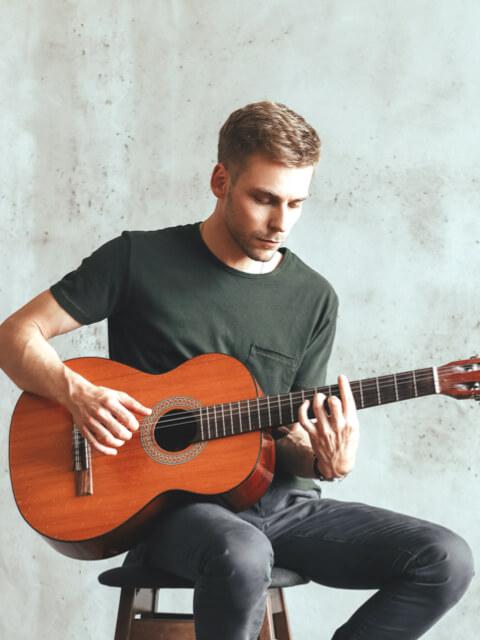 home-guitar-image-box-01
